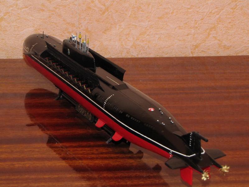 модель атомной лодки курск