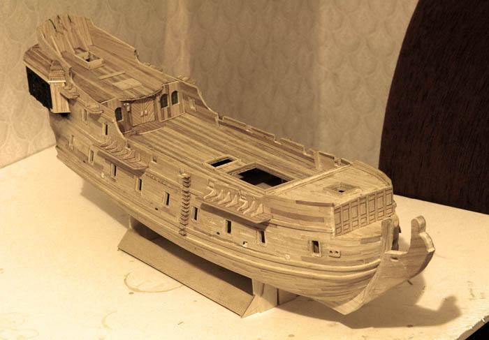 Модель корабля из дерева черная жемчужина