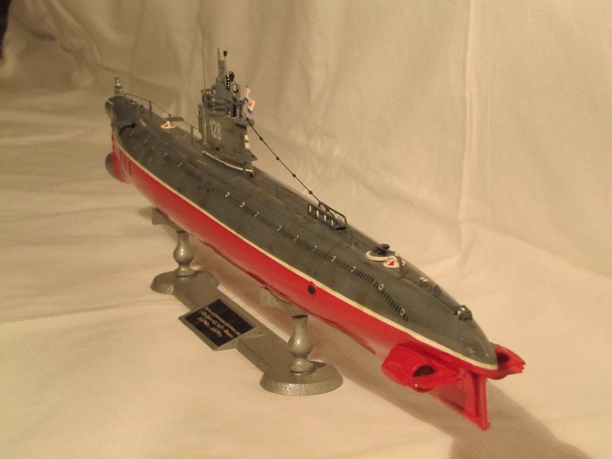 электро модель подводной лодки