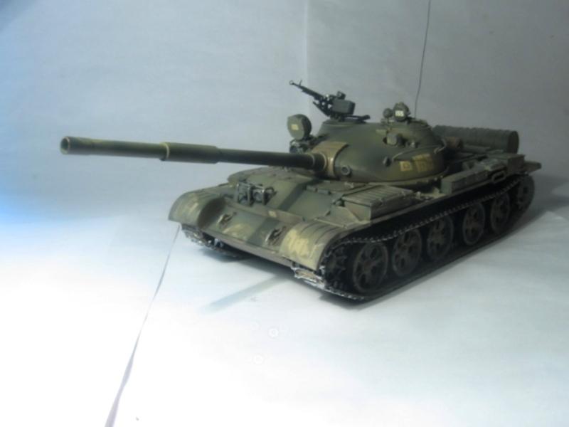 Продам танк т-62а 1:35 tamiya , ручная работа, красил аэрографом , краски tamiya , пигменты mig,смывка zipпричина