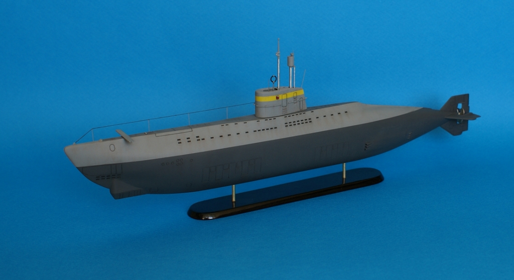 первая подводная лодка с двигателем