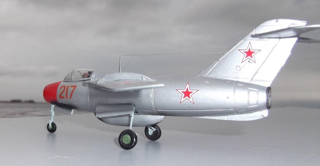Ла-15 — Каропка.ру — стендовые модели, военная миниатюра