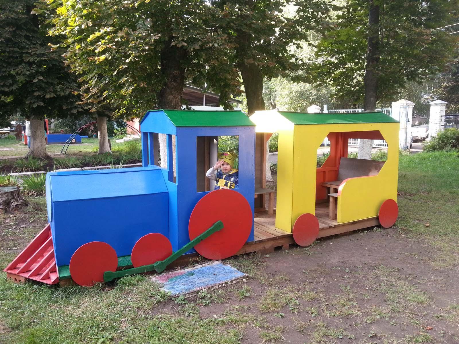 Идеи для детской площадки: детский паровозик 63