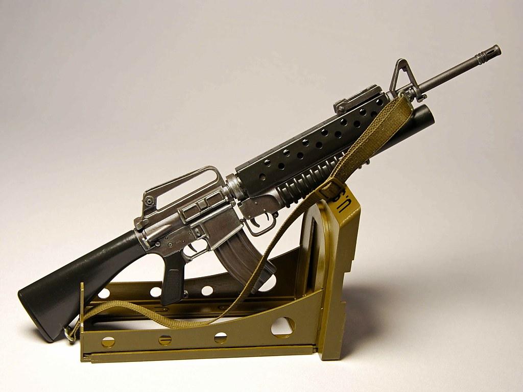 Автоматическая винтовка М16А2/М203 — Каропка.ру — стендовые модели ...