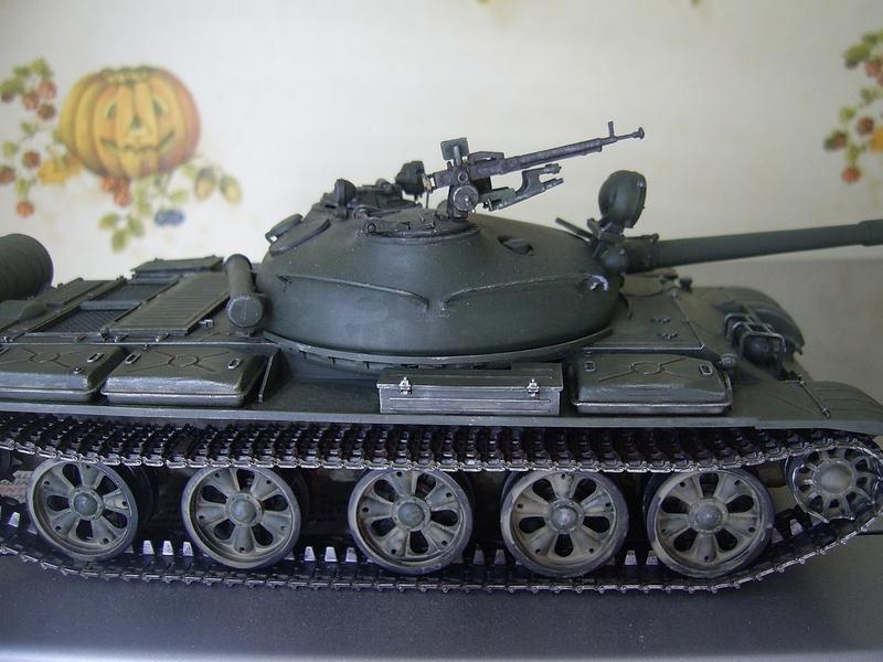 Сборная модель советского танка т-62а образца 1965 г модель выполнена в масштабе 1:35