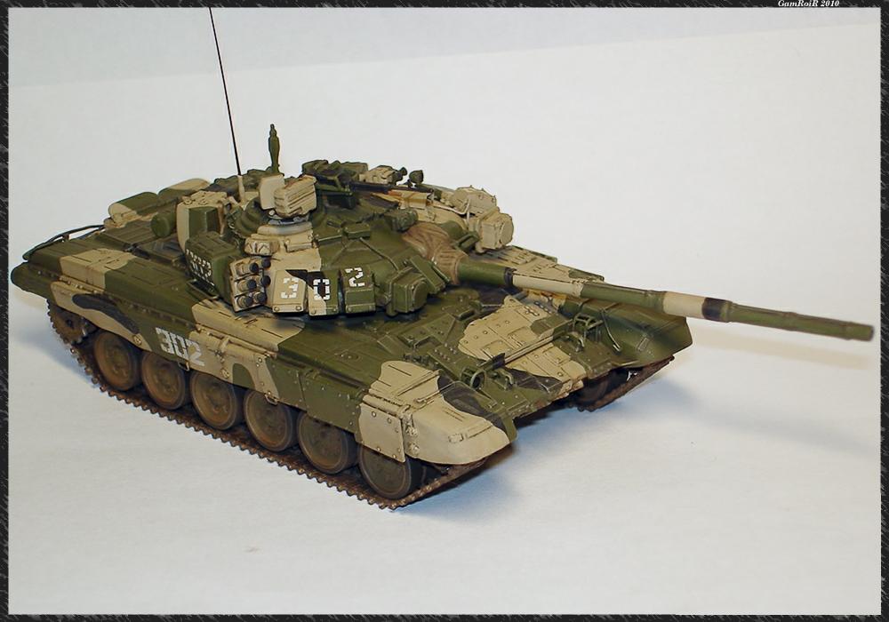 девушки собирать модельки танков т-72 и т-80 1:43 компании списывают все