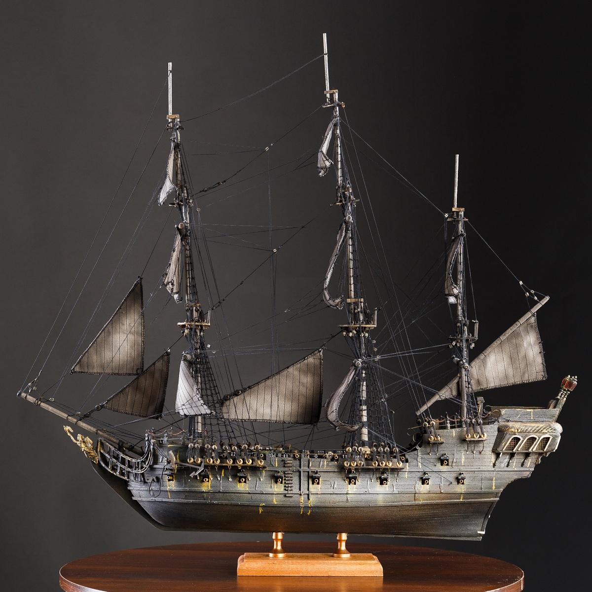 Модель чёрной жемчужины фото